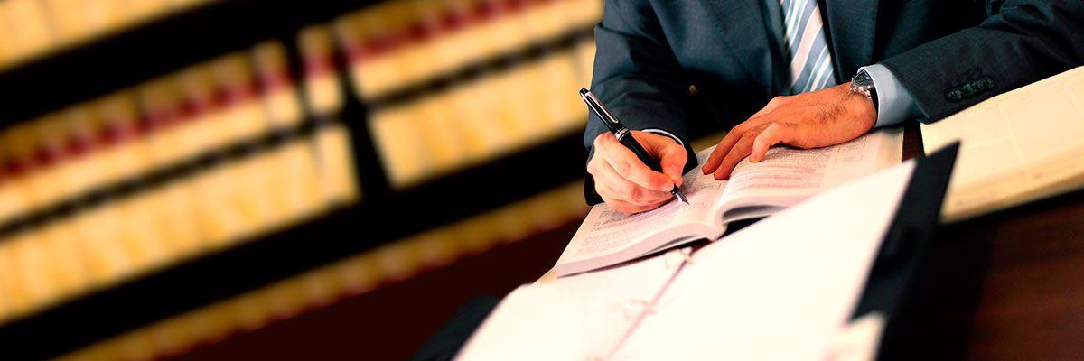 Servicio jurídico mercantil